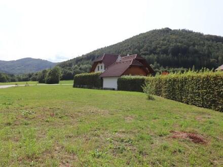 Eben und günstig - Mischbaugrund am Eisbach