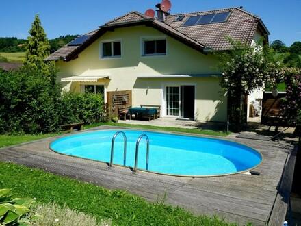 Gepflegter Familienwohnsitz mit Pool in Grünruhelage