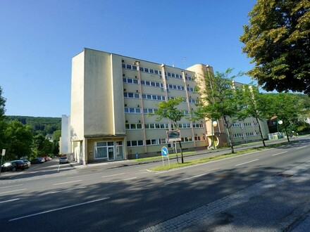 4-Zimmer-Wohnung mit Loggia nahe Wiener Stadtgrenze