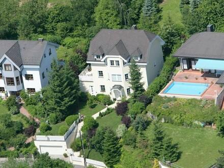 Moderner Familienwohnsitz mit sensationellem Fernblick am Allerheiligenberg