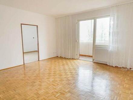 Barrierefreie 2-Zimmer-Loggia-Wohnung mit PKW-Stellplatz in Zentrumslage