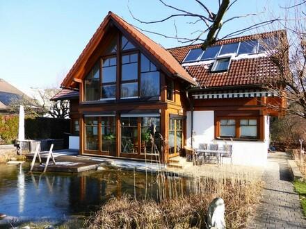 Gemütlicher Wohntraum mit Schwimmteich in ruhiger Zentrumslage