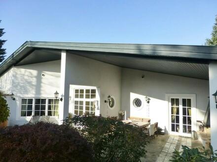 Luxusanwesen in ländlicher Lage am Fuße des Riederbergs