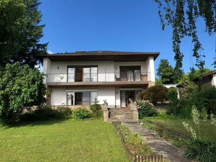 Familienwohnsitz mit sensationellem Seeblick am Bartberg