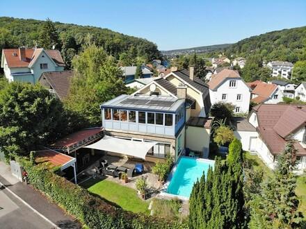 Einfamilienhaus mit Pool in zentrumsnaher, ruhiger Siedlungslage