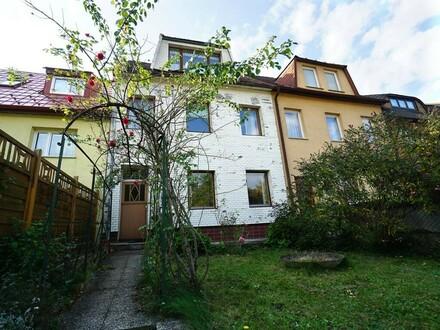 Siedlungshaus mit Garten am Fuße des Wolfersbergs