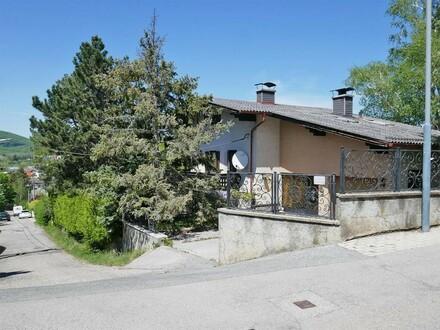 Einfamilienhaus in idyllischer Lage am Südwesthang des Wolfersbergs