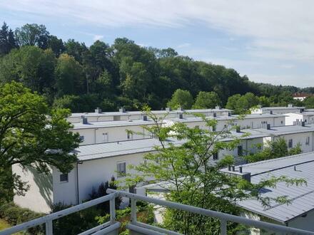 Gepflegte 3-Zimmer-Wohnung mit Balkon im ruhigen Siedlungsgebiet! Kinderfreundlich - von Grünflächen umgeben - 1A Infrastruktur!…