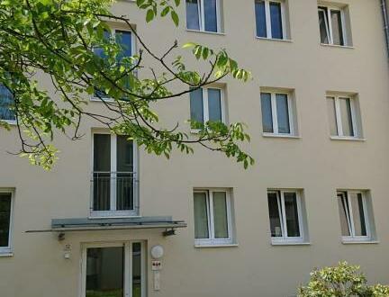 Heimkommen und wohlfühlen - ansprechende 3-Raum Wohnung mit Balkon garantiert hohe Wohnqualität! Zentrale und dennoch ruhige…