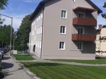 Leistbare 3-Raum-Wohnung in ruhiger Lage nahe dem Ortskern mieten und den Abend am schönen Balkon gemütlich ausklingen lassen!…