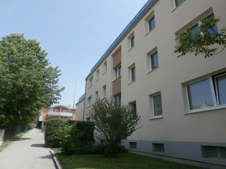 Urbaner Wohn(t)raum mitten in Schärding! Neu saniert! Praktische Familienwohnung - 2 Kinderzimmer - XL Loggia - Wohlfühl-Grünlage…