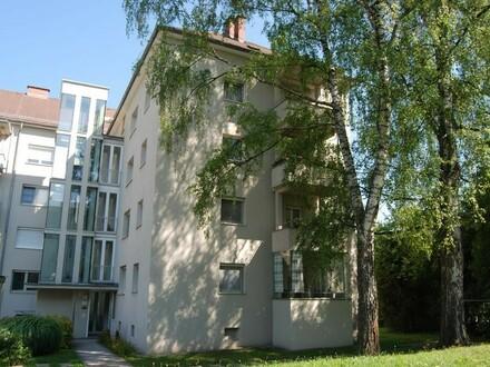 Attraktive Wohnung (provisionsfrei!) in wunderbarer, ruhiger Grünlage und doch zentrumsnah mit ausgezeichneter Infrastruktur!