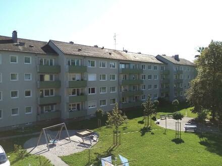Preiswerte Gelegenheit: Wohlfühloase mit Balkon! Lichtdurchflutete Wohnung in sicherer u. naturnaher Toplage - optimale Infrastruktur…