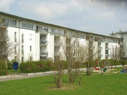 Perfektes Zuhause für Sie und Ihre Familie! Wohlfühlen auf höchstem Niveau in geräumiger 3-Zimmer-Wohnung in idyllischer…