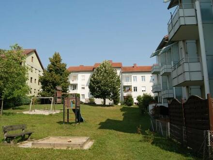 Frisch ausgemalt und sofort beziehbar! Sonnige Eigentumswohnung mit Balkon! Zentrumsnah und dennoch Ruhelage-Provisions…