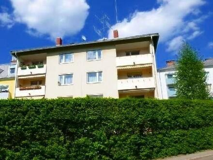 Zentral gelegene 3 Zimmerwohnung mit toller Aussicht von oberster Etage in bester Lage! Provisionsfrei!