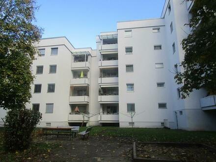 Idyllisches Familienleben im sicheren u. naturnahen Wohnumfeld! Neu sanierte 4-Raum-Wohnung mit Balkon! Ausgezeichnetes Preis-Leistungs-Verhältnis!