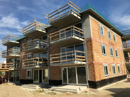 Geförderter Neubau-Familienwohn(t)raum mit XL-Garten in ruhiger, sicherer u. naturnaher Einfamilienhaussiedlungslage! Provisionsfrei!
