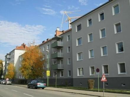 Leistbare 3-Raum-Wohnung in ruhiger und dennoch zentraler Lage mit 1A Infrastruktur! Hier wird Wohnen zum Genuss! Provisionsfrei!