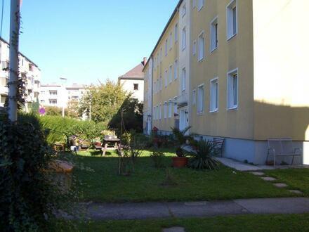 Zentrale 2-Raum-Wohnung im schönen Stadtteil Tabor Steyr! Umgeben von einer optimalen Infrastruktur und vielen Freizeitmöglichkeiten!…