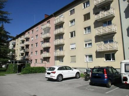 Komplett sanierte 3 Raum Wohnung mit Balkon im schönen Stadtteil Steyr Münichholz