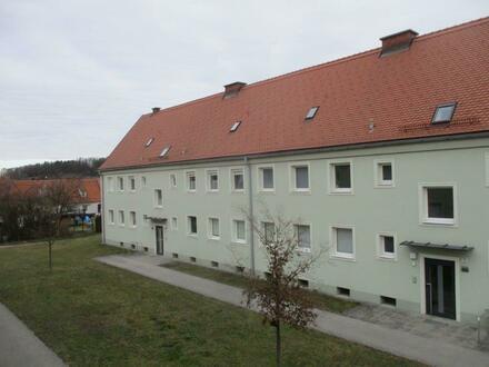 Ihre persönliche Wohlfühl-Wohnoase in zentrumsnaher Lage! 3-Raum-Wohnung mit sehr schönem Schnitt! Eingebettet in eine perfekte…