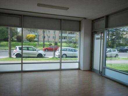 Leistbare Geschäfts-/Ordinationsfläche inkl. XL-Schaufenstern mit hohem Umsatzpotential, direkt neben dem Zentrum Muldenstraße