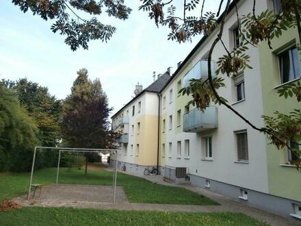 Hervorragende 3-Raum-Wohnung in Toplage verspricht hohe Wohnqualität: leistbare Konditionen - perfekte Raumaufteilung - optimale…