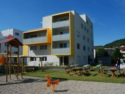 4 Zimmer Penthouse-Wohnung mit Einzelhauscharakter, das 4. OG. alleine genießen, mit 25 m² Dachterrasse u. Balkon in naturnaher…