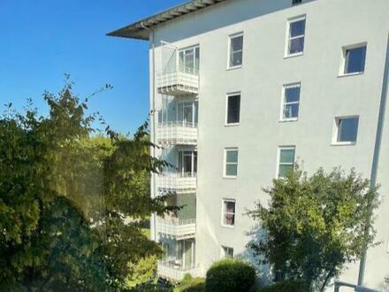 3-Zimmer-Wohnung ab sofort! Mit Balkon im kinderfreundlichen Siedlungsgebiet! Umgeben von Grünflächen und bester Infras…