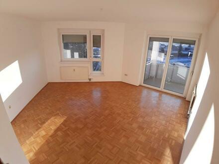 wunderschöne 3-Zimmer Wohnung im 3. OG mit Balkon und Lift, provisionsfrei