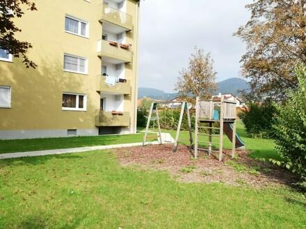 Ruhesuchende Naturfreunde aufgepasst: 3-Raum-Wohnung in grüner Traumlage - umgeben von malerischen Bergen u. 1A Infrastruktur!…