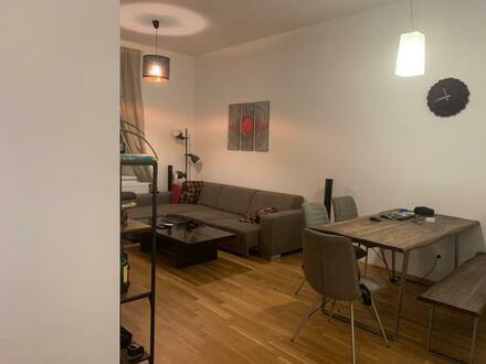 Mit dem Charme eines Altbaus und doch sehr modern wohnen! Ausgezeichnete Lage nah am Zentrum! Provisionsfrei!