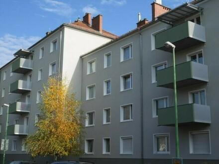 Wohn(t)raum mit 3-Zimmern und sonnigem Balkon! Zentrums- u. dennoch naturnahe Grünlage! Ideal auch für Kinder! prov.frei.