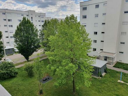 Zentrumsnahe 3-Raum-Wohnung in erstklassigem Zustand (neu saniert) verspricht pures Wohnvergnügen! Ideal auch für Familien!…