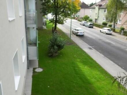 Erleben Sie die Vorzüge einer zentrums- u. dennoch naturnahen Stadtlage! 3-Raum-Wohnung mit sonnigem Balkon in Wels! Prov.frei!
