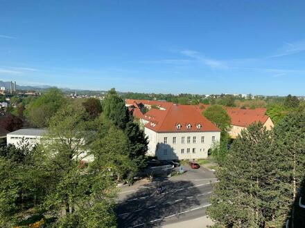 Herrliche Aussicht vom Balkon! Geräumige, sonnige 3 Raum Wohnung mit Lift im schönen Stadtteil Steyr Münichholz