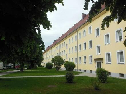 Generalsanierte 2 Raum Erdgeschoß Wohnung mit Badewanne, Stadtrandlage und trotzdem nahe dem Zentrum Steyr im Stadtteil Münichholz!