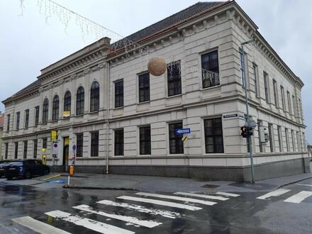 Büro im Postgebäude