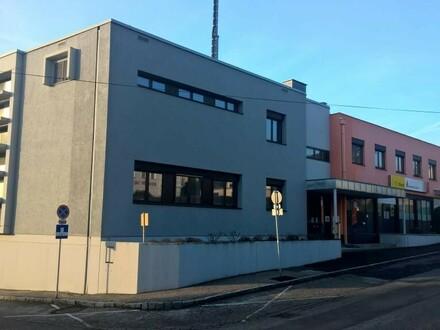 Neuwertige Wohnung im Postgebäude