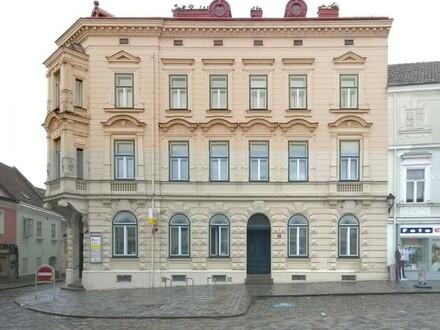 Wohn- und Geschäftshaus am Hauptplatz