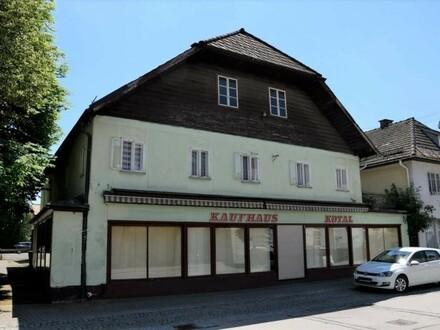 Großes älteres Geschäftshaus im Zentrum von Vöcklamarkt