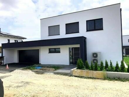 Ein vollunterkellertes Wohnhaus Baujahr 2018/2019 ist BEZUGSFERTIG !!!! POOL und VOLLKELLER