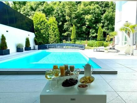 Großzügiges neuewertiges Haus mit Pool, großer Terasse und riesigem Wintergarten und Vollkeller