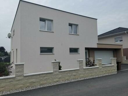Großes neues Wohnhaus mit Pool und Doppelgarage rasch beziehbar Baujahr 2017 PREISAKTION