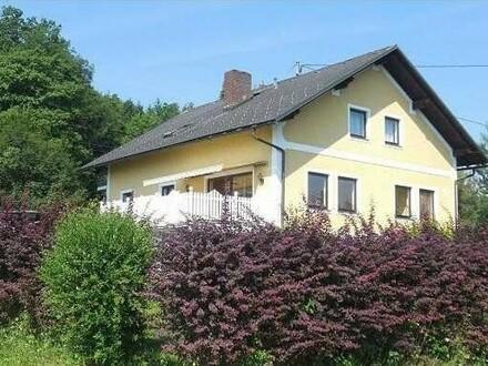 Großes Haus in Naturlage 7 Schlafzimmer, Vollkeller auch als 2 Familienhaus möglich