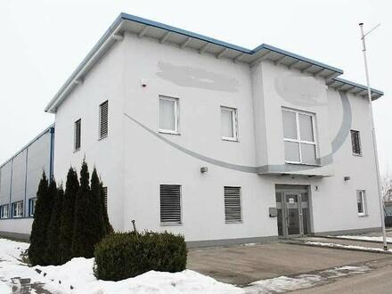 Neuwertig klimatisiertes Gewerbeobjekt, Bürohaus und Halle zu verkaufen!