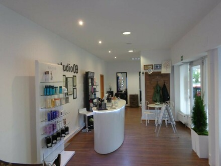 Neu eingerichteter Friseursalon mit großem Kundenstock zur sofortigen Übernahme zu vermieten!