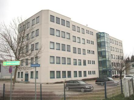 TOP ausgestattetes Bürogebäude / Miete 4,- Euro pro m²