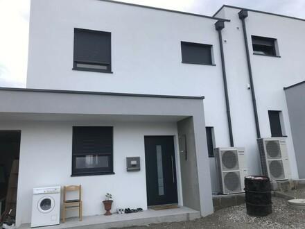 Neubau - Moderne Doppelhaushälfte - Top Neubausiedlung Sonnenpark Puchberg